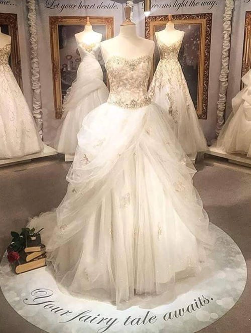 Robe de mariage disney for Collection de robe de mariage disney